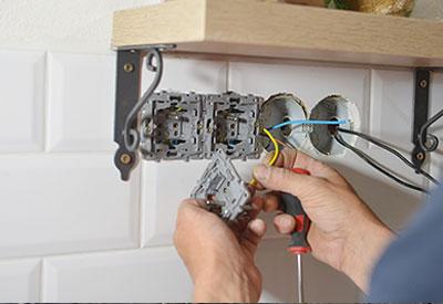 installing-wall-sockets