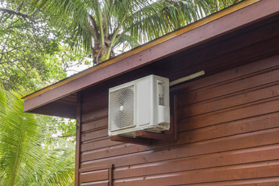 air-conditioning-heat-pump-outside-home