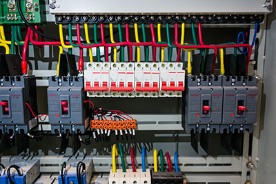 circuit-breakers-and-wire-in-control-panel
